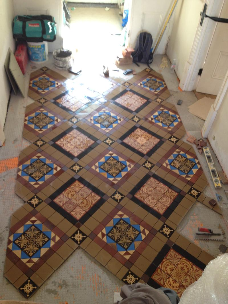 Barrowgate chiswick stortford tiling marble ltd glazed ceramic tiles including a 3d dado border we also carried out large format porcelain floor tiling to the large kitchen dining area and garden dailygadgetfo Images